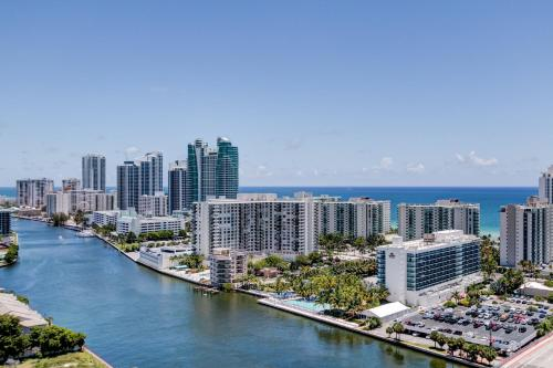 Beachwalk Resort Hallandale Beach Photo
