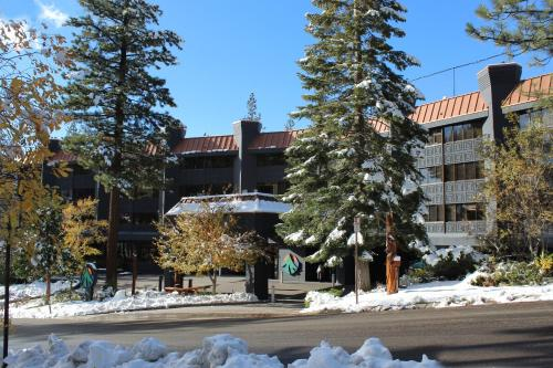 Tahoe Seasons Resort, a VRI resort Photo