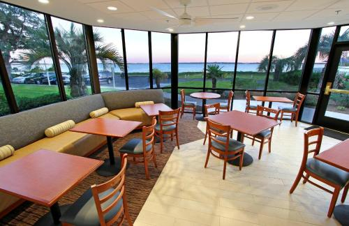 Hampton Inn Morehead City Photo