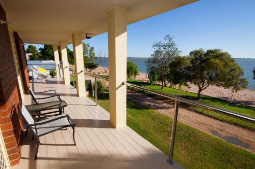 Lake Boga Waterfront Holiday House