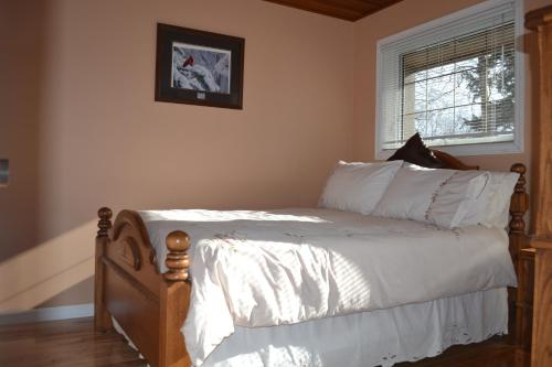 Water's Edge Bed & Breakfast Photo
