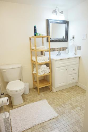 2 Bedroom Suite in Ideal Location Photo