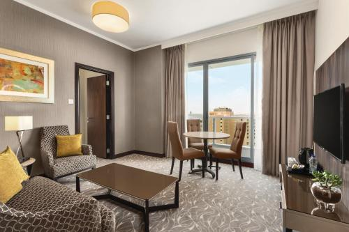 Hawthorn Suites by Wyndham Abu Dhabi City Center photo 46