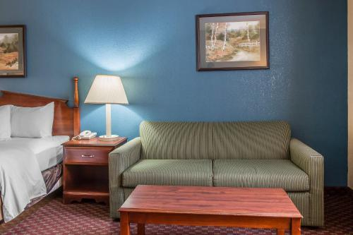 Quality Inn Upper Sandusky Photo