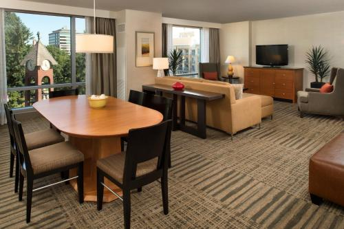 Hilton Vancouver Washington Photo