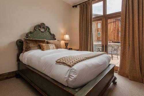 Arrabelle 282 by Exclusive Vail Rentals - Vail, CO 81657