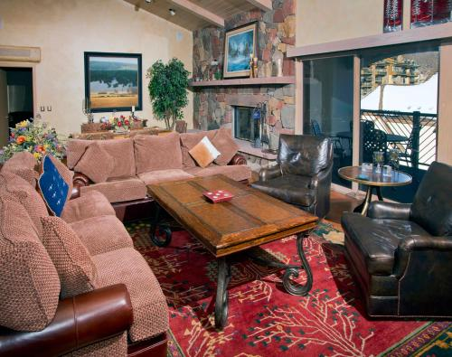 Marriott Penthouse by Exclusive Vail Rentals Photo