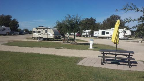 Alamo River Rv Ranch & Campground - A Cruise Inn Park