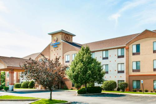 Comfort Inn Goshen Photo