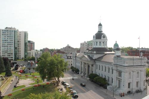 Confederation Place Hotel Photo