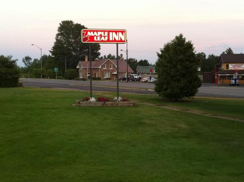 Maple Leaf Inn Photo