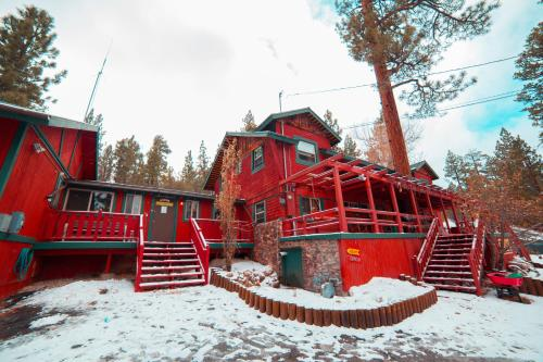 ITH Big Bear Mountain Adventure Lodge Photo