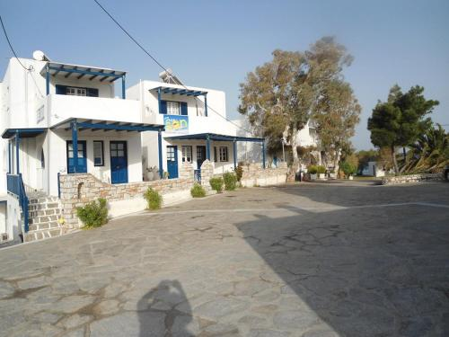 Free Sun Rooms and Apartments - Logaras Greece