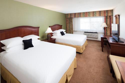 Red Lion Inn & Suites Perris Photo