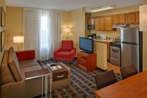 TownePlace Suites by Marriott Orlando East/UCF Area photo 12