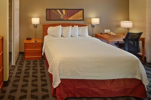 TownePlace Suites by Marriott Orlando East/UCF Area photo 14