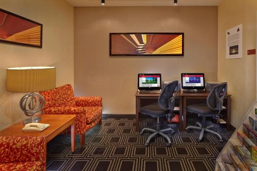 TownePlace Suites by Marriott Orlando East/UCF Area photo 22