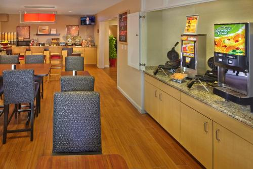 TownePlace Suites by Marriott Orlando East/UCF Area photo 24