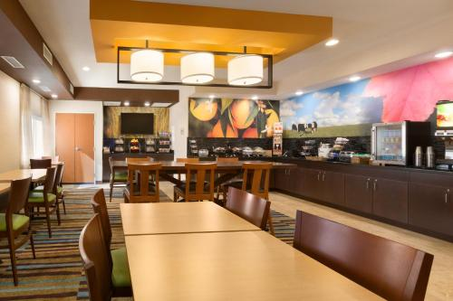 Fairfield Inn And Suites By Marriott Midland - Midland, TX 79705