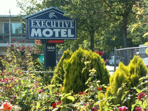 Executive Motel Photo