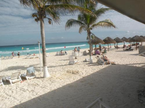 Cancun Beach Rentals & Bachelor Party Destination Cancun Photo