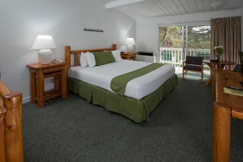 Carmel River Inn Photo