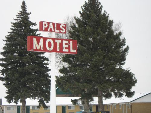 Pals Motel and RV Park Photo