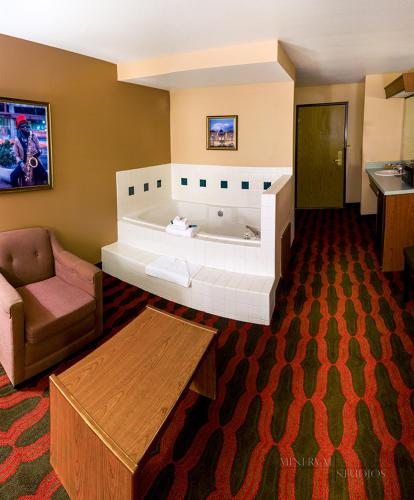Americas Best Value Inn & Suites-Forest Grove/Hillsboro Photo