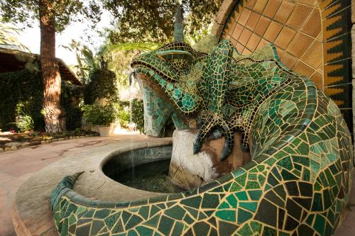 The Emerald Iguana Inn Photo