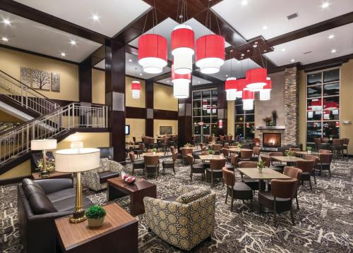 ClubHouse Hotel & Suites Fargo Photo