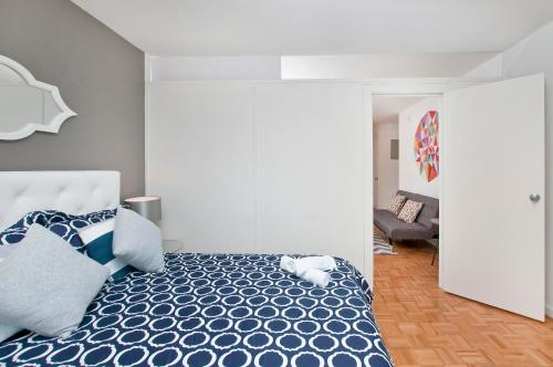 Luxurious Two Bedroom Apartment in Doorman Building - Lincoln Center photo 3
