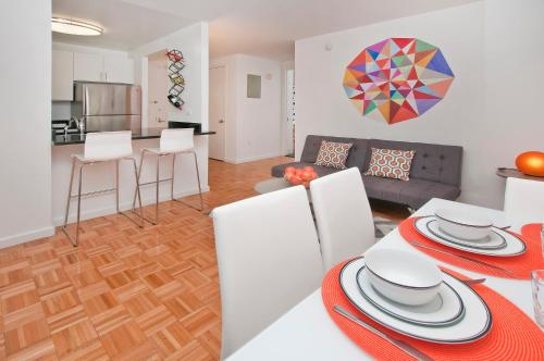 Luxurious Two Bedroom Apartment in Doorman Building - Lincoln Center photo 12