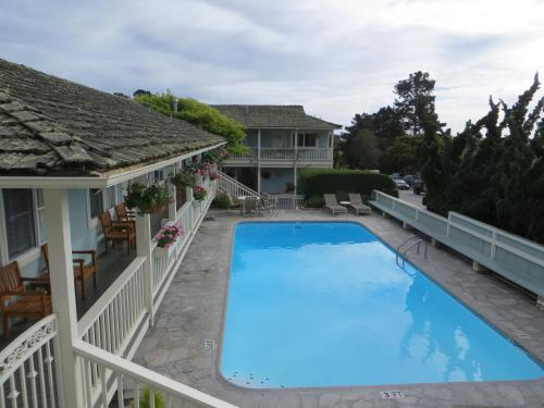 Best Western PLUS Carmel Bay View Inn Photo
