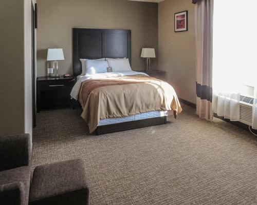 Comfort Inn & Suites Vernal Photo