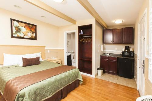 Tri-Valley Inn & Suites Photo