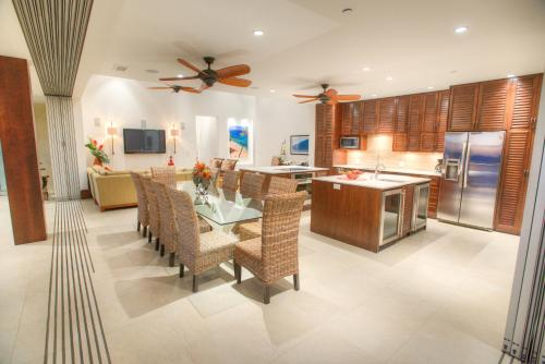 The Penthouse at Hale Pau Hana Photo