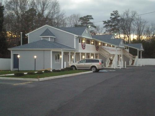 Red Carpet Inn & Suites Smithville Photo