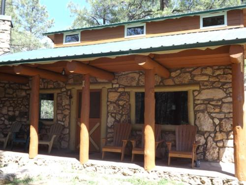 Arizona Mountain Inn & Cabins Photo