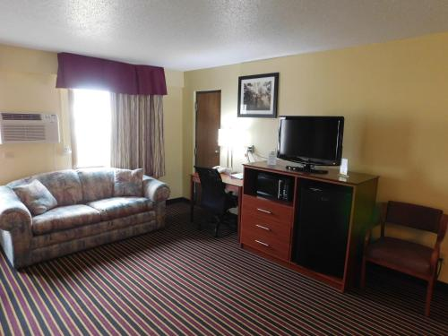 Days Inn Newton Photo