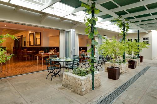 Protea Hotel by Marriott Stellenbosch Dorpshuis & Spa Photo