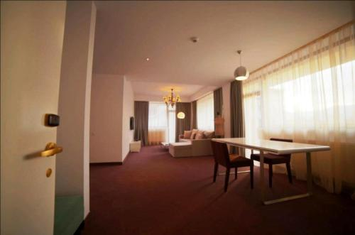 Apart Hotel Vlad Tepes photo 16