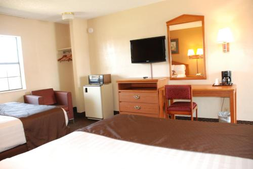 Americas Best Value Inn Tyler Photo
