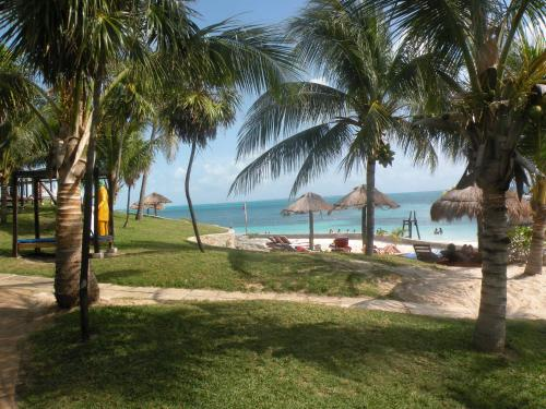 Cancun Beach Hideaway Photo