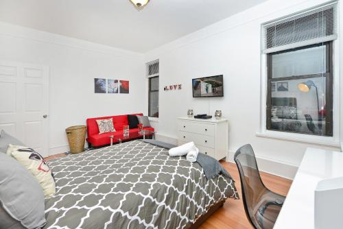 Modern Three Bedroom Apartment - Upper East Side photo 3