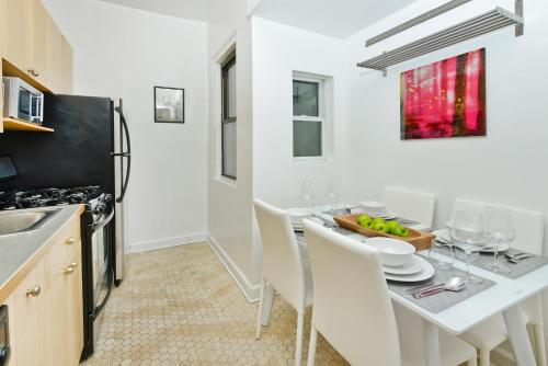 Modern Three Bedroom Apartment - Upper East Side photo 11