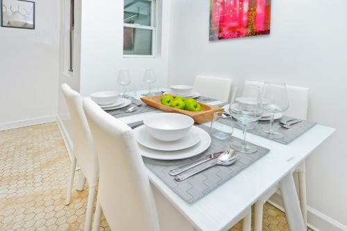 Modern Three Bedroom Apartment - Upper East Side photo 19