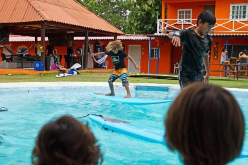 Panama Surfing Academy and Hotel Rio Mar Photo