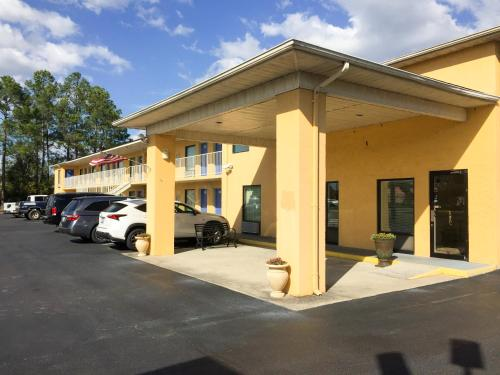 Motel 6 MacClenny Photo