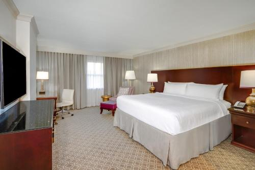 Astor Crowne Plaza New Orleans French Quarter Photo
