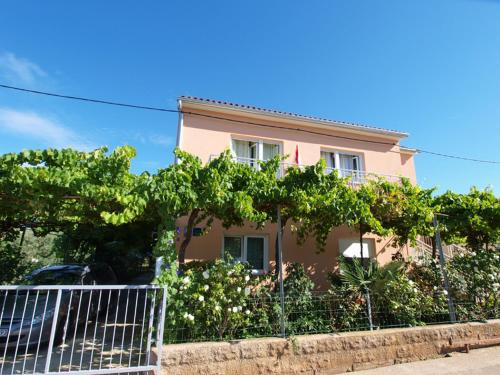 http://www.booking.com/hotel/hr/apartment-istria-sun-is51014.html?aid=1728672